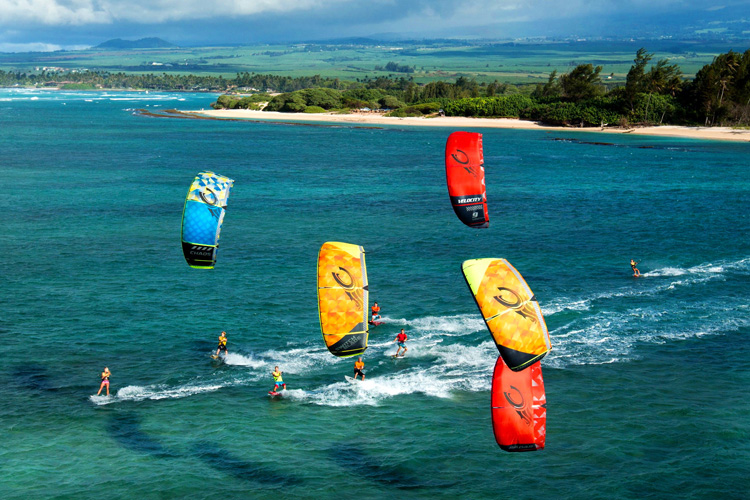 How to avoid collisions between kiteboarders